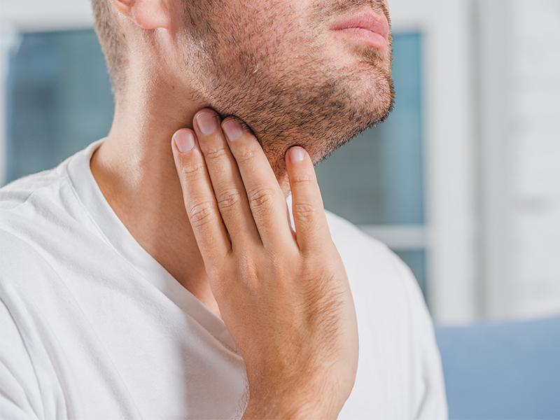 De ce te doare în gât?
